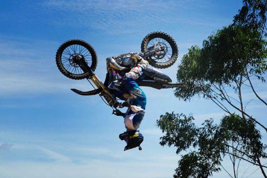 diego_djamdjian_backflip_Fotos Best Trick