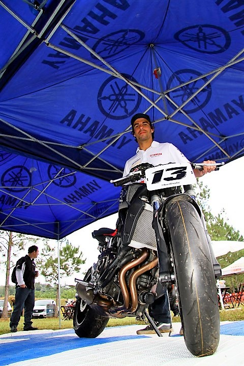 Rafael-Pasqualin-Yamaha-MT07-Foto-Marcel-Mano-Yamaha-Day